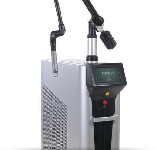Alma-Q Nd:YAG-Laser mit drei Behandlungsmodi und vier Wellenlängen